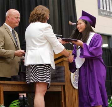 Exchange Students Mana Imai receives her diploma