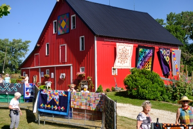 Wolfe Quilt and Garden-4H