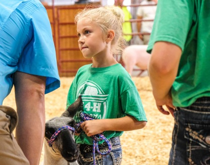 Clover Kids Showman Berkley Wolf answers questions from judge.